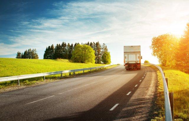 Mantenimiento del Camión en Verano   Empresa de Transporte