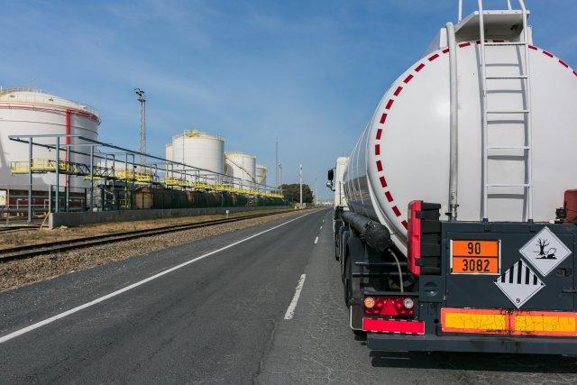 ADR y Transporte de Mercancías Peligrosas por Carretera